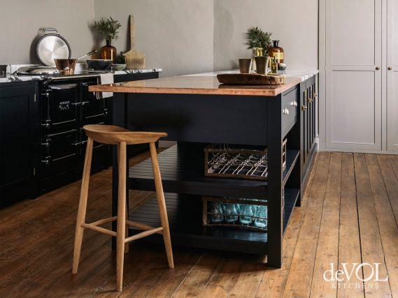 990 EL in a blue kitchen