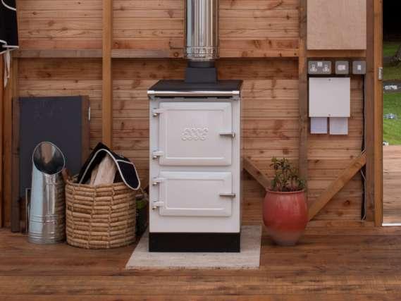 ESSE Plus 1 white in cabin