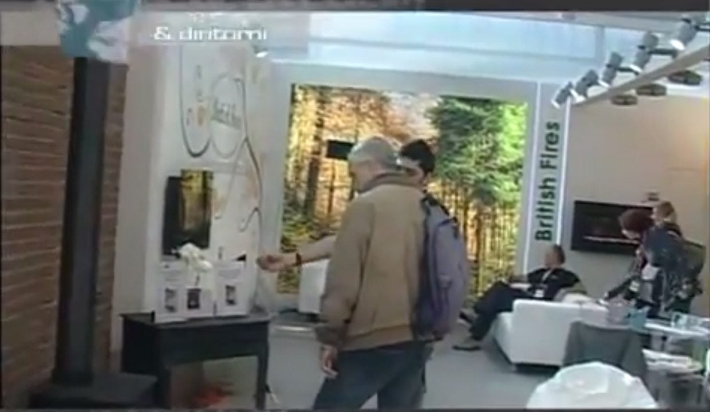 Esse italian retailer exhibition video esse for Alternative fireplaces