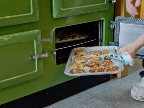 ESSE 990 EL tray in bottom oven