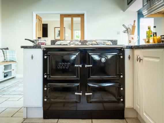 990 EL cottage kitchen