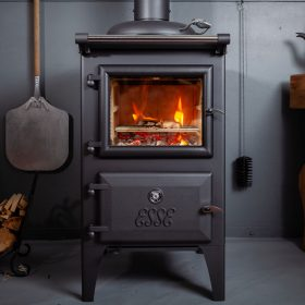 ESSE bakeheart woodfired cook stove steak