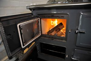 ESSE 990 Hybrid burning logs door open small