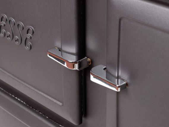 ESSE 990 Hybrid door handles