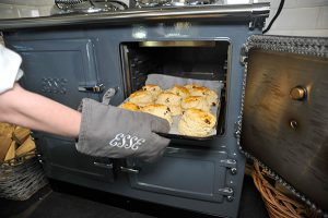 ESSE 990 Hybrid scones in the oven small