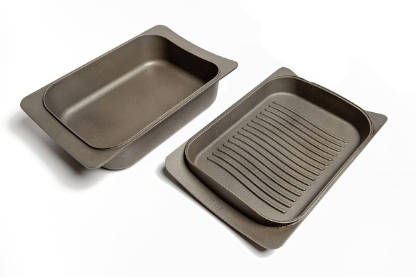 ESSE Cast Iron Casserole Dish with Griddle Lid